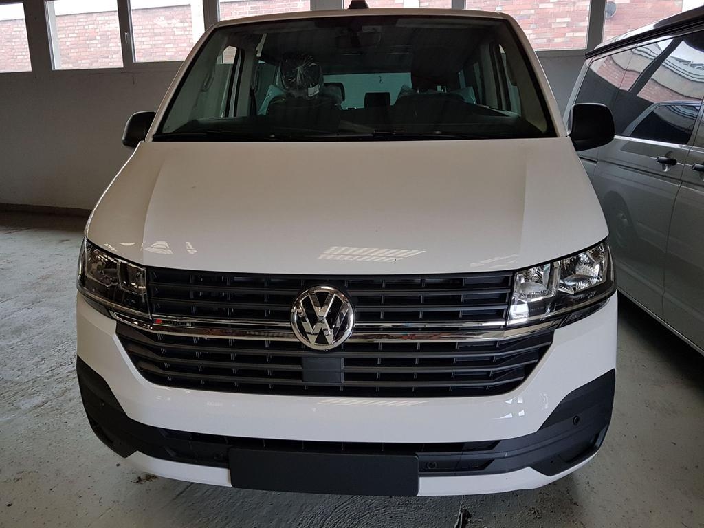Volkswagen / Multivan 6.1 / Weiß / Trendline  /  /
