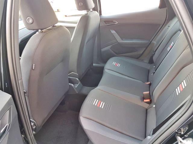 Seat / Arona / Schwarz / FR /  /