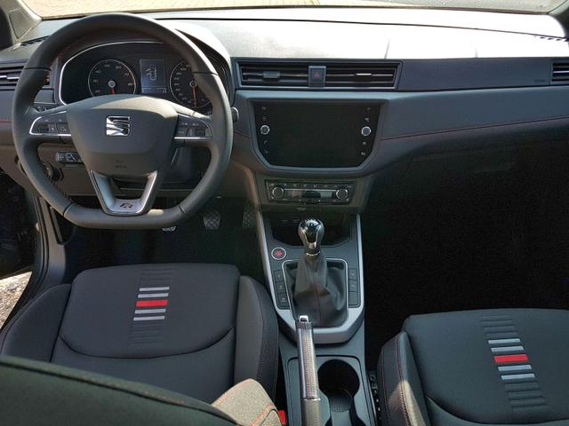 Seat / Arona / Grau / FR /  /