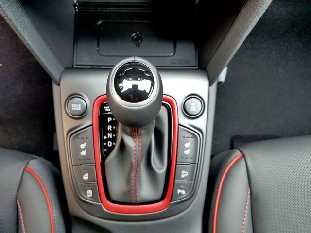Hyundai / Kona / Rot / Premium  /  /