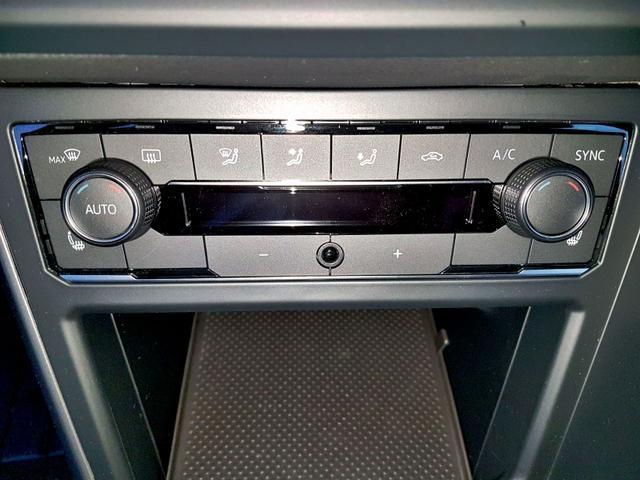 Volkswagen / Polo / Weiß / Comfortline  /  /