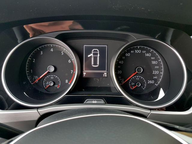 Volkswagen / Touran / Schwarz / Comfortline  /  /