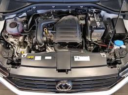 Volkswagen / T-Roc / Weiß / Style  /  / Climatronic,ACC, Multilenkrad, SHZ, ALU 16