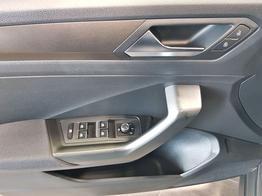 Volkswagen / T-Roc / Grau / Style  /  / ACC, ALU 17 Zoll, APP Connect