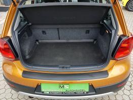 Volkswagen / Polo /  / Cross Polo /  / Klimaautomatik, Multilenkrad
