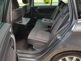 Volkswagen / Golf Sportsvan / Grau / Comfortline  /  / ACC,Alufelgen 17 Zoll,SHZ