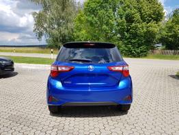 Toyota / Yaris / Blau / Selection /  / Klimaautomatik, Kamera, PCS, ALU