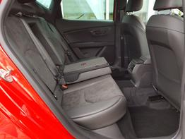 Seat / Leon / Rot / FR /  / Sportsitze Alcantara, ALU 18 Performance, KAMERA, PDC