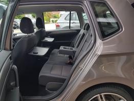 Volkswagen / Golf Sportsvan / Silber / Sportsvan /  / Xenon,Navi,Climatronic,Winterpaket