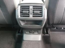Skoda / Karoq / Grau /  /  / Navi,Rückfahrkamera,PDC,DSG, Klimaautomatik