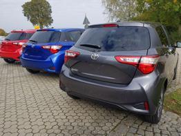 Toyota / Yaris / Blau / Y20 /  /
