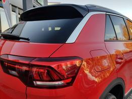 Volkswagen / T-Roc / Rot / Sport /  / DSG, ALU, KAMERA, NAVI