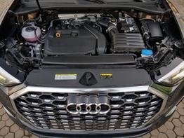 Audi / Q3 Sportback / Grau / Q3 Sportback S Line  /  / DSG  ,S Line ,ALU 19 Zoll, DAB, Sitzheizung