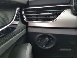 Skoda / Kamiq / Grau / Style  /  / Klimaautomatik, Elektrische Heckklappe, Kessy  Sitzheizung