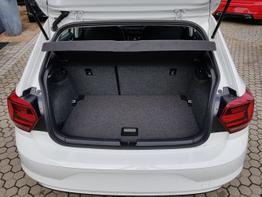 Volkswagen / Polo / Weiß / Comfortline  /  / Klima, ALU, Multilenkrad, Bluetooth