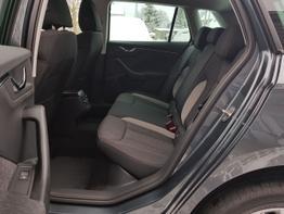 Skoda / Kamiq / Grau / Style  /  / Einparkhilfe vorne und hinten, Kamera  ,Klimaautomatik, LED