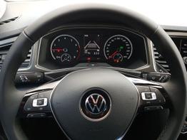Volkswagen / T-Roc /  / Style /  / PDC, NAVI, AUTOMATIK, MULTILENKRAD
