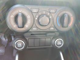 Suzuki / Ignis /  / Comfort  /  / Multilenkrad, Kamera, Klima