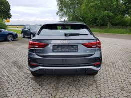 Audi / Q3 Sportback /  /  /  /