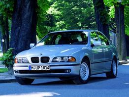 BMW 5er      520i 2.0 - 110 kW 24V AUTOMATIK-ANHÄNGERKUPPLUNG-TÜV NEU-2 ZONEN KLIMAAUTOMATIK-SHZ-LENDENWIRBELSTÜTZE-WINTER PAKET-ZV