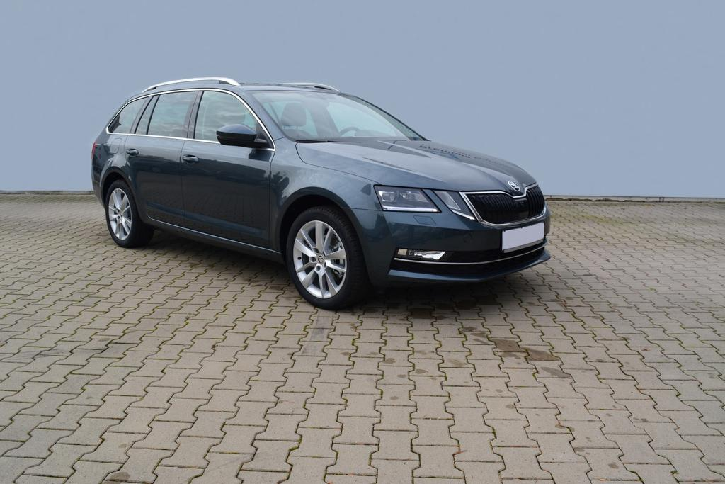 skoda octavia combi 1 5tsi act dsg style led navi ahk 4j garantie kamera sitzheizung el klappe. Black Bedroom Furniture Sets. Home Design Ideas