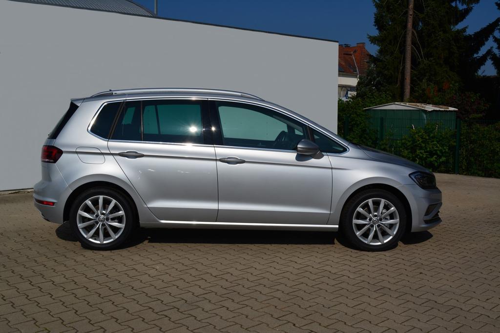 Volkswagen Golf Sportsvan 1.5TSI DSG HIGHLINE NAVI LED SHZ ACC 17ZOLL 3J. GARANTIE Reflex Silber Metallic