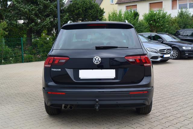 Volkswagen Tiguan 1.4TSI ACT DSG COMFORTLINE AHK NAVI SHZ LED KAMERA Deep Black Perl