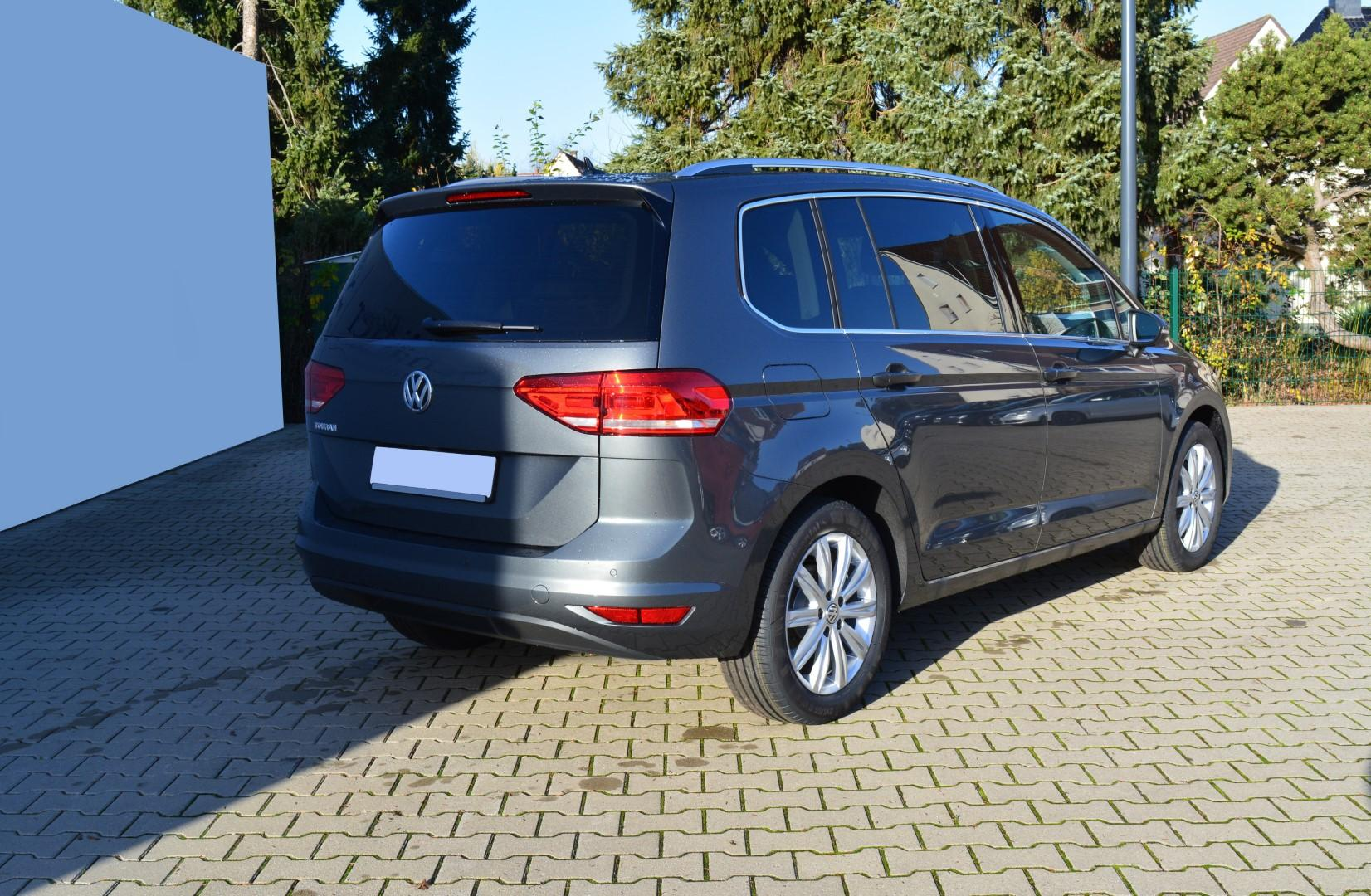 volkswagen touran comfortline 1 5tsi act opf acc klima. Black Bedroom Furniture Sets. Home Design Ideas