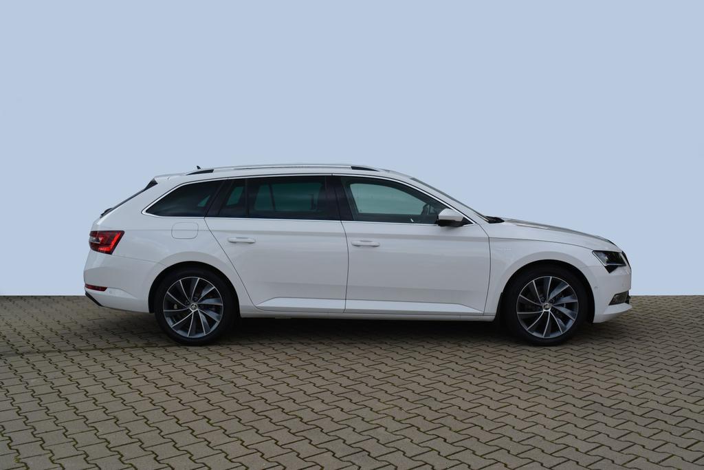 Skoda Superb Combi L&K weiß EU Neuwagen günstig kaufen in Bielefeld