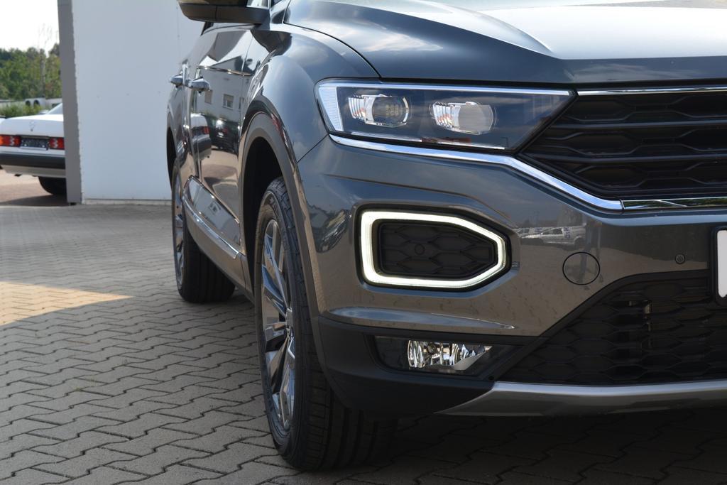 VW T-Roc EU Fahrzeug Indium Grau Metallic Sport Navi LED