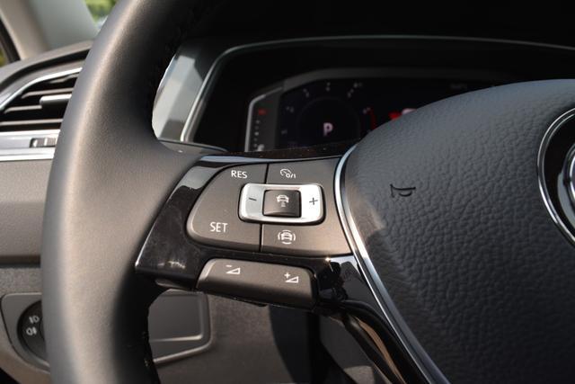 VW Tiguan Comfortline Active Info Display EU Fahrzeuge günstig in Bielefeld