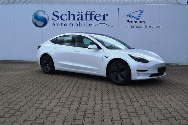 Tesla Model 3 pearl white multi-coat weiß
