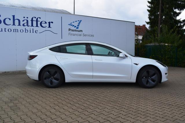 Tesla Model 3 Weiß