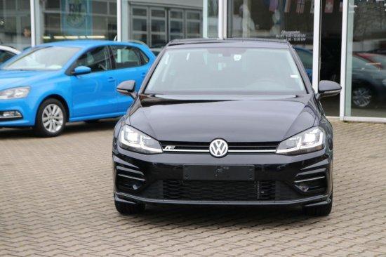 Volkswagen Golf - 1,5 TSI DSG R-Line Navi LED ActiveInfoDisplay Panodach