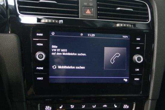 Volkswagen Golf 1,5 TSI BMT Highline DSG Navi LED ActiveInfo Sitzheizung ACC