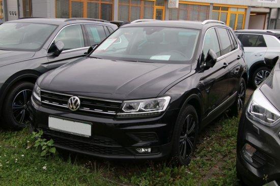Volkswagen Tiguan - 1,4 TSI BMT Comfortline DSG AHK NAVI Sitzheizung