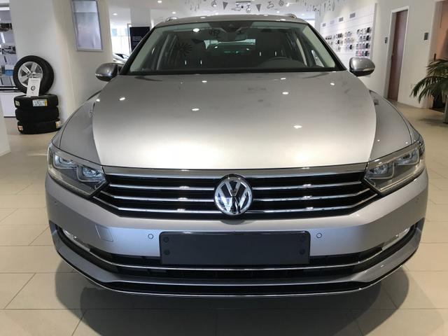 Volkswagen Passat Variant - R-Line NAVI 2.0 TDI SCR 150PS DSG7 2019, NAVI, DAB