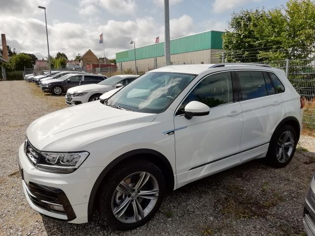 Volkswagen Tiguan - Highline 2.0 TSI 4Motion 180PS DSG7 - R-line Ext   AHK RESERVIERt