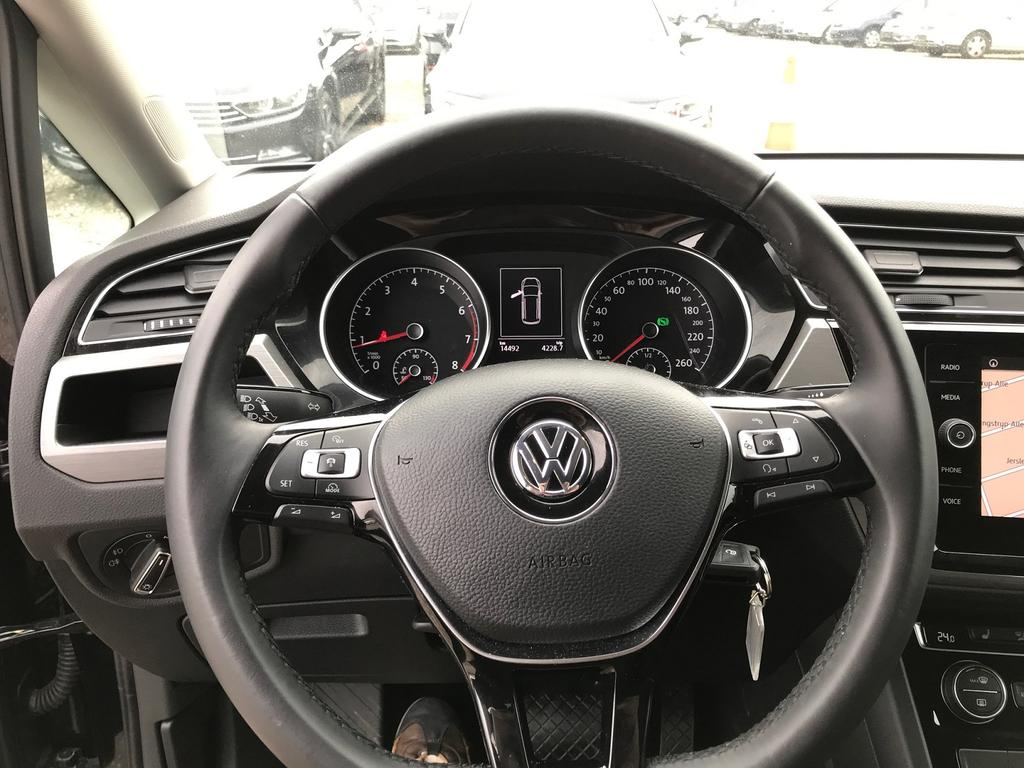 volkswagen touran comfortline 1 4 tsi 150ps dsg7 acc navi. Black Bedroom Furniture Sets. Home Design Ideas