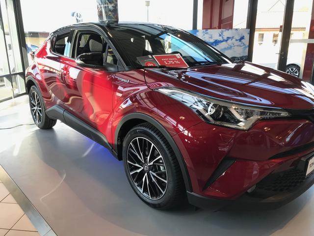 Toyota C-HR      Selected 1.8 Hybrid 122PS CVT Premium 2018