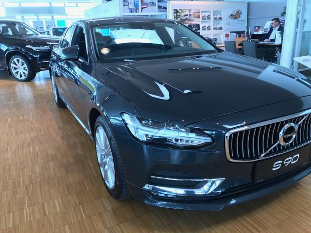 Volvo S90 - R-Design T8 Twin Engine 303+87PS eAWD Aut. 8 2020