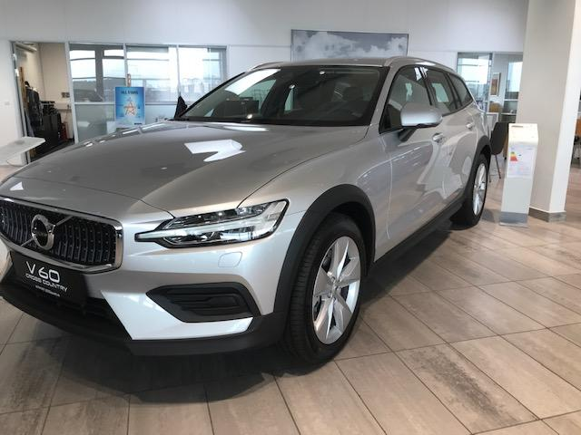 V60 Cross Country      B5 Benziner 250PS/184kW Aut. 8 AWD 2021