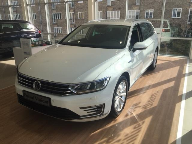 Passat Variant GTE HIGH 1.4 TSI Plug-In Hybrid 218PS/160kW DSG6 2021