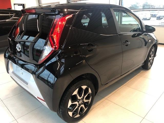 Aygo x-press 1.0 VVT-i 72PS/53kW x-shift 2021