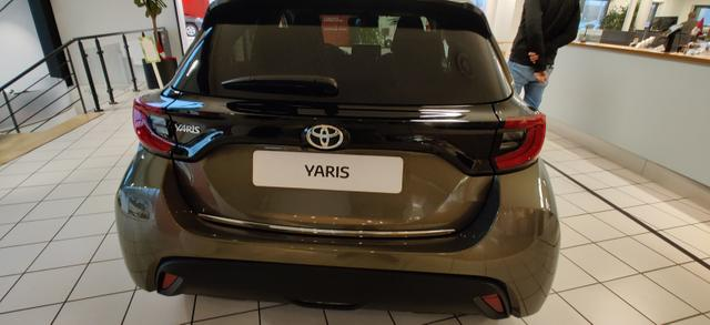 Yaris Style 1.5 VVT-i Hybrid 116PS/85kW CVT 2021